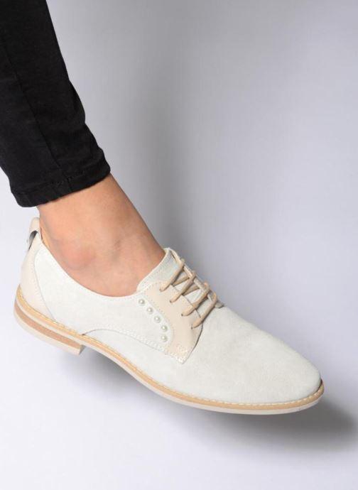 Chaussures à lacets Georgia Rose Ninou Beige vue bas / vue portée sac