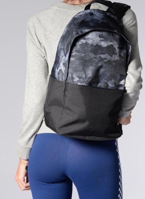 Rucksäcke adidas performance Classic BP G1 M schwarz ansicht von unten / tasche getragen