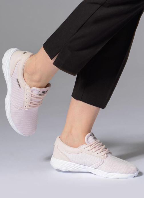 Sneaker Supra Womens Hammer Run rosa ansicht von unten / tasche getragen