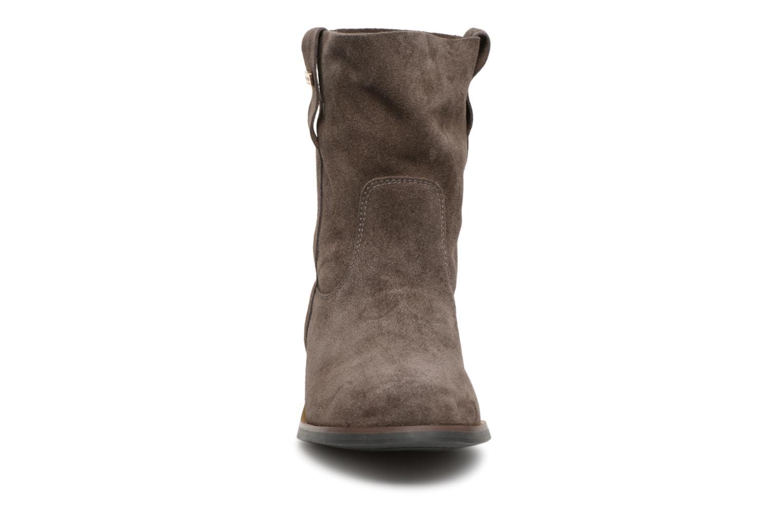 Bottines et boots Les Tropéziennes par M Belarbi Curcuma Gris vue portées chaussures