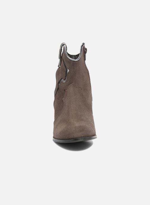 Bottines et boots Les Tropéziennes par M Belarbi Texas Gris vue portées chaussures