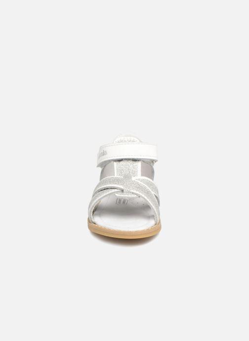 Sandales et nu-pieds Melania Beata Blanc vue portées chaussures