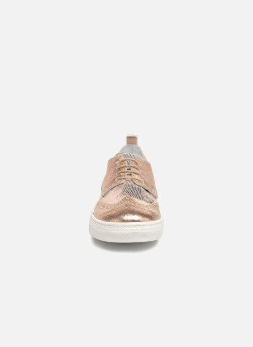 Snøresko Melania Bianca Guld og bronze se skoene på
