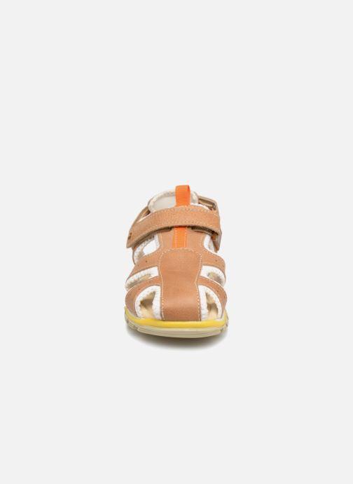 Sandalen Melania Luca braun schuhe getragen