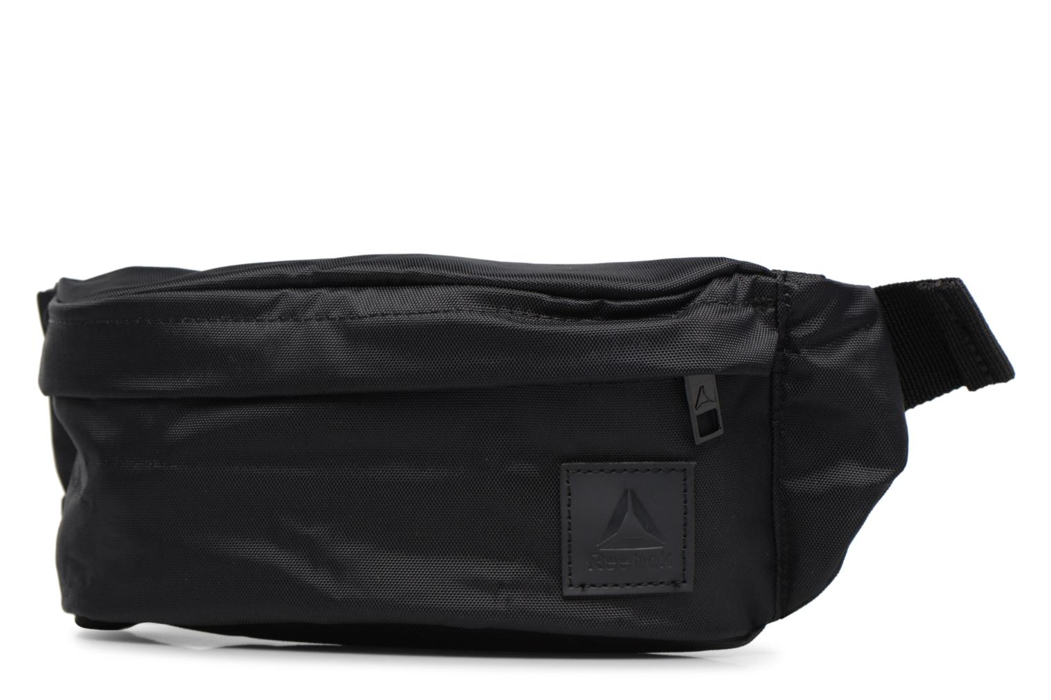 Pelletteria Reebok Style Found Waistbag Nero modello indossato