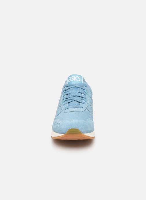 Sneakers Asics Gel-Lyte W Azzurro modello indossato
