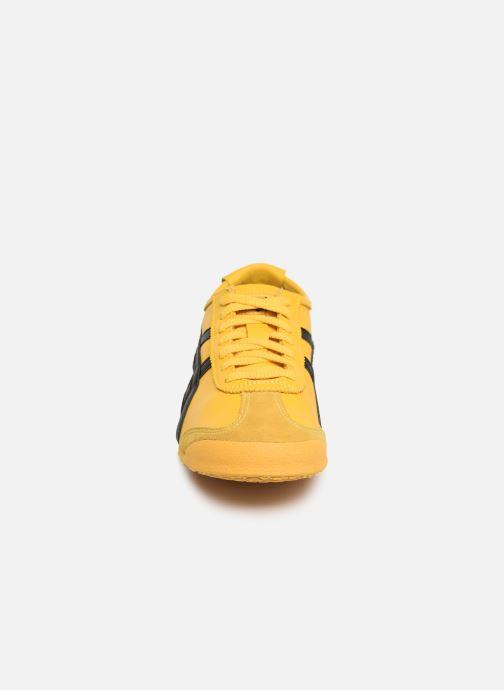 Baskets Asics Mexico 66 M Jaune vue portées chaussures