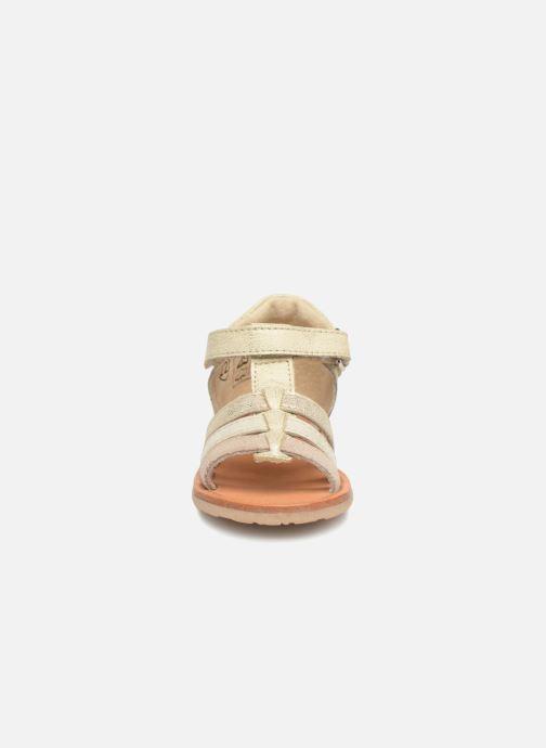 Sandales et nu-pieds Noël Mini Servi Or et bronze vue portées chaussures