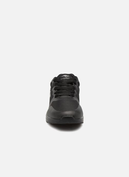 Baskets Kangaroos Kanga X 2200 Noir vue portées chaussures