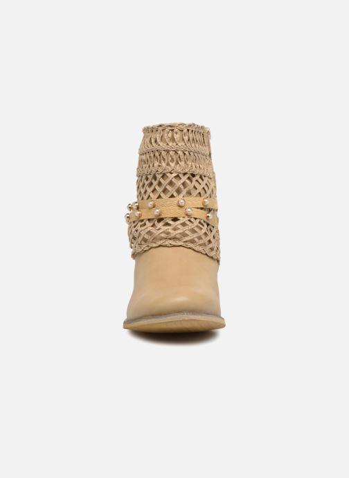Bottines et boots Bullboxer BESSIE Beige vue portées chaussures