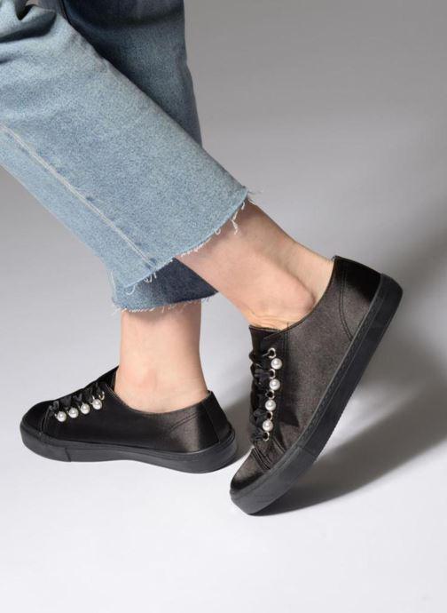 Sneaker I Love Shoes Kipearl schwarz ansicht von unten / tasche getragen