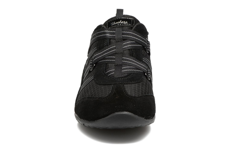 Baskets Skechers Unity-Existent Noir vue portées chaussures