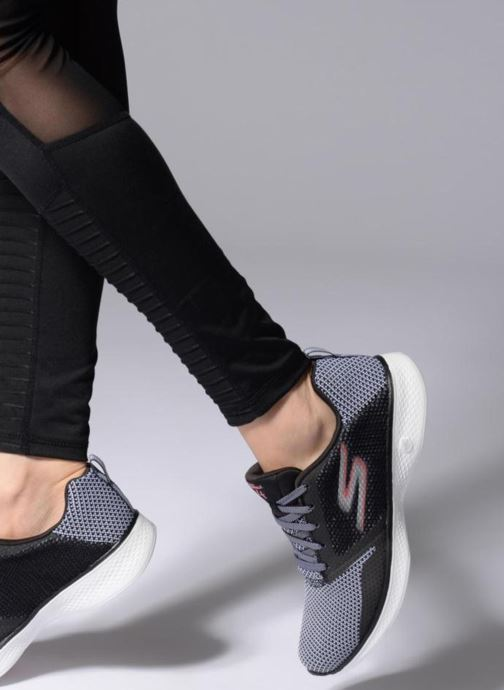 Chaussures de sport Skechers Go Walk 4 1 Noir vue bas / vue portée sac