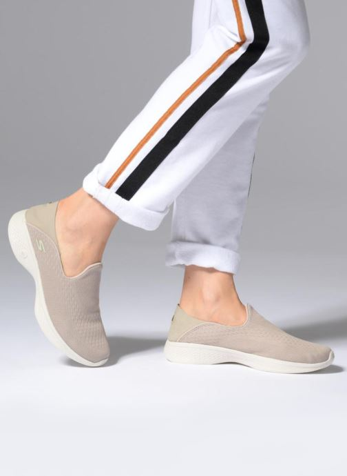 Skechers Go Walk 4 Convertible (Beige) Sneakers chez