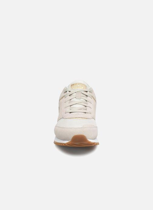 Sneakers Skechers Sunlite Revival Bianco modello indossato