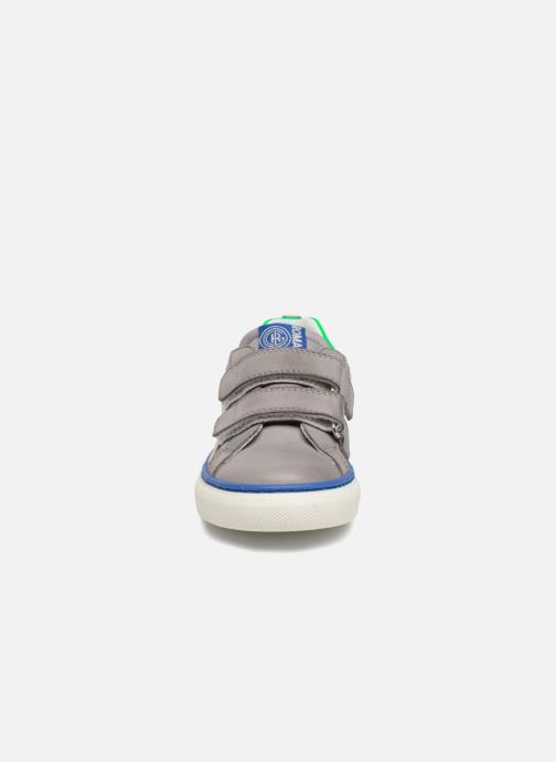 Sneakers Romagnoli Gabrio Grigio modello indossato