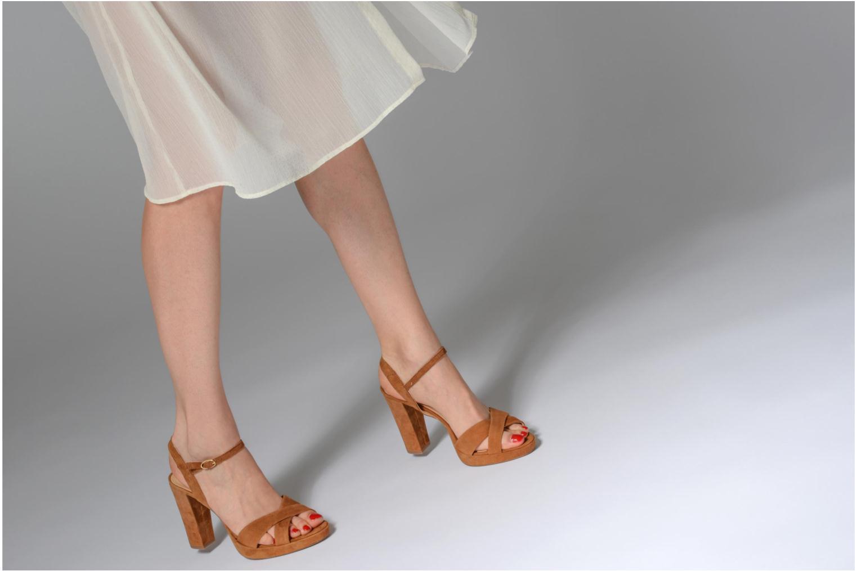 Sandales et nu-pieds Georgia Rose Lypatou Marron vue bas / vue portée sac