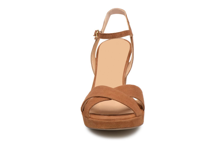 Sandales et nu-pieds Georgia Rose Lypatou Marron vue portées chaussures