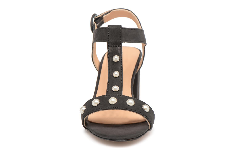 Sandales et nu-pieds Georgia Rose Lyperla Noir vue portées chaussures