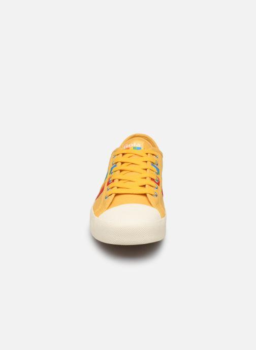Baskets Gola COASTER RAINBOW Jaune vue portées chaussures