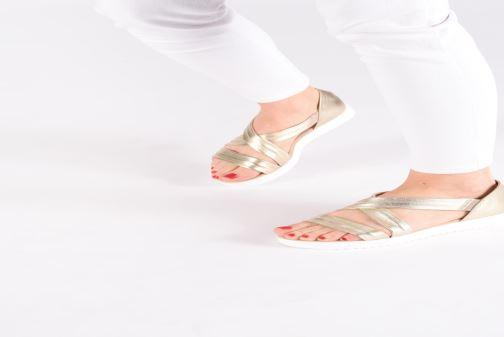 Sandales et nu-pieds Georgia Rose Milena Soft Bleu vue bas / vue portée sac