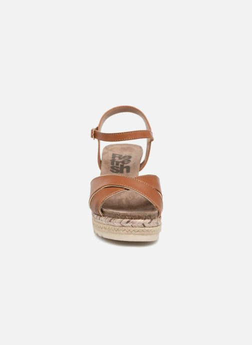 Sandales et nu-pieds Refresh Wuge Marron vue portées chaussures