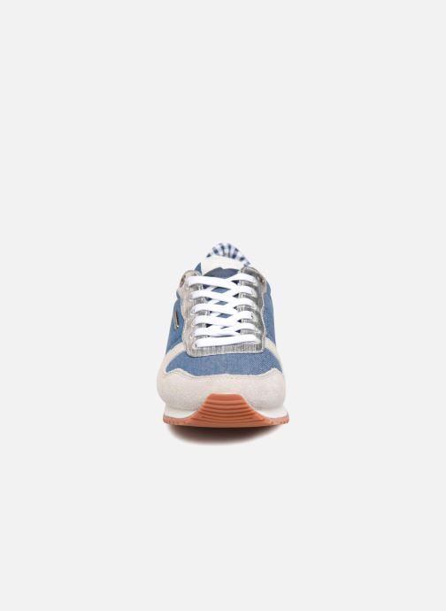 Sneakers Pepe jeans Gable Sue Azzurro modello indossato