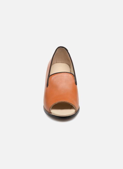 Décolleté Deux Souliers Loafer Peep Heel #1 Marrone modello indossato