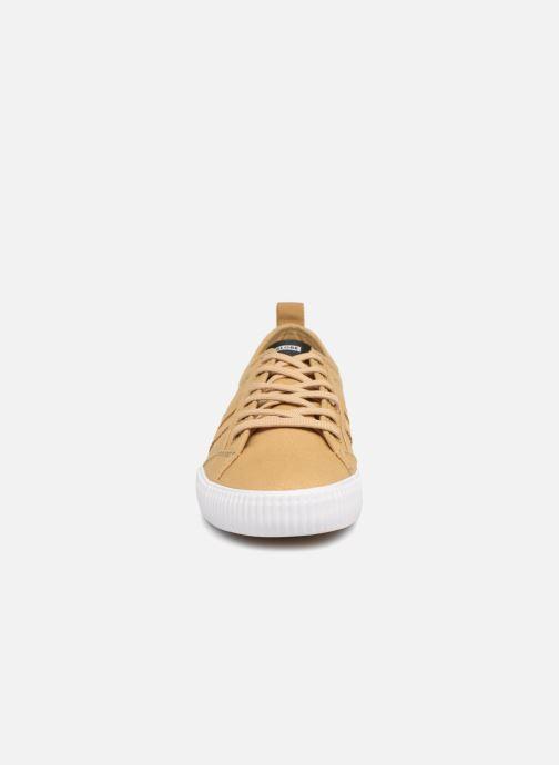 Baskets Globe Filmore Gris vue portées chaussures
