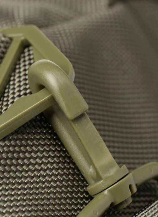 Sacs de sport Fred Perry Tonal Track Barrel Bag Vert vue gauche