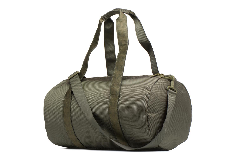 Sporttaschen Fred Perry Tonal Track Barrel Bag grün ansicht von rechts