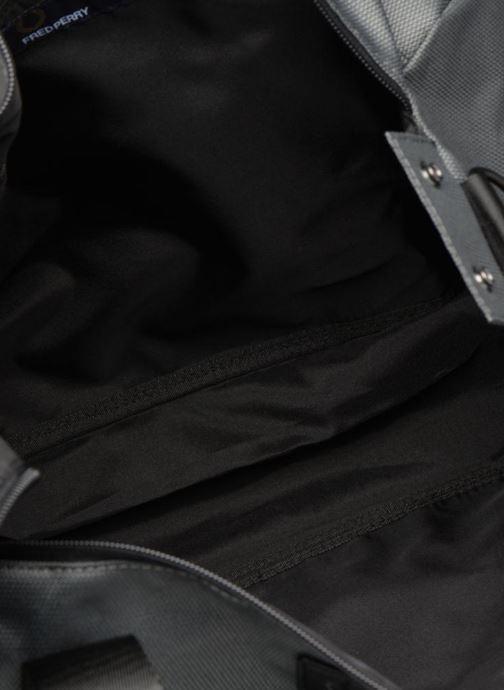 Sacs de sport Fred Perry Textured Weave Barrel Bag Gris vue derrière