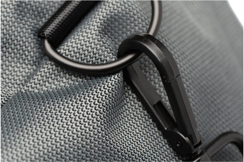 Sporttaschen Fred Perry Textured Weave Barrel Bag grau ansicht von links