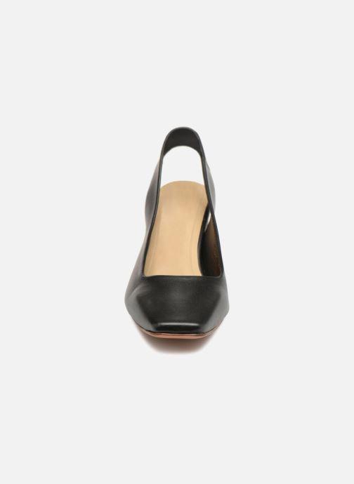 High heels Mari Giudicelli Helena Pump Black model view