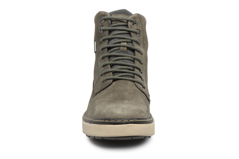 Sneakers Geox U Mattias B ABX U44T1C Grigio modello indossato