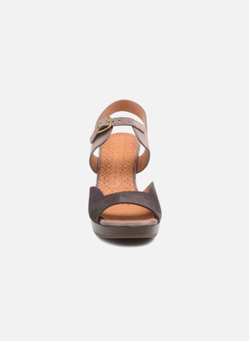 Sandales et nu-pieds Chie Mihara Loteria32 Violet vue portées chaussures