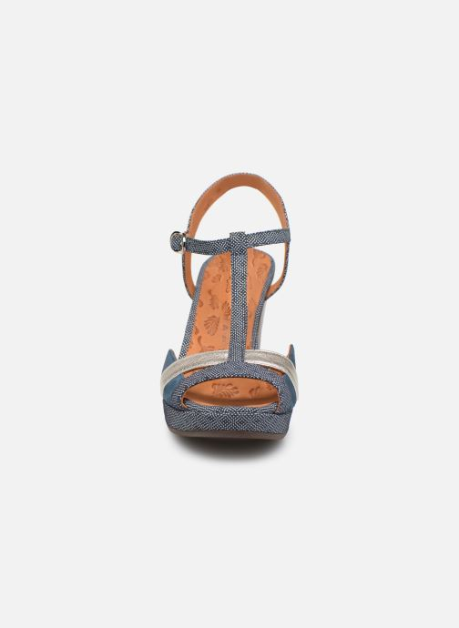 Escarpins Chie Mihara E-Ecai Bleu vue portées chaussures