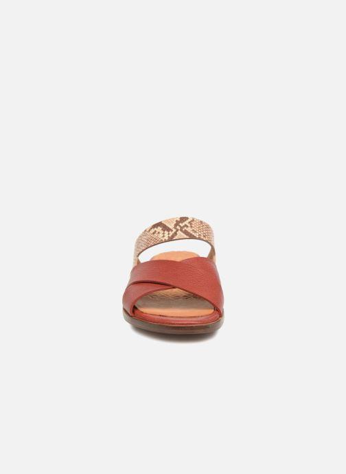 Mules et sabots Chie Mihara Wanda Rouge vue portées chaussures