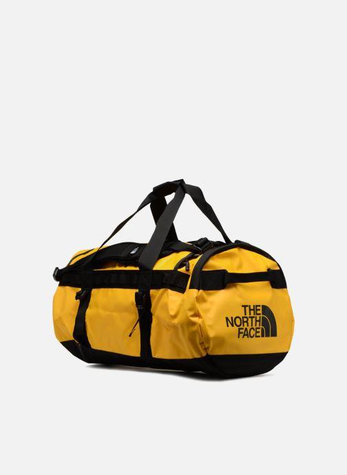 Borsa da palestra The North Face BASE CAMP DUFFEL - M Giallo modello indossato