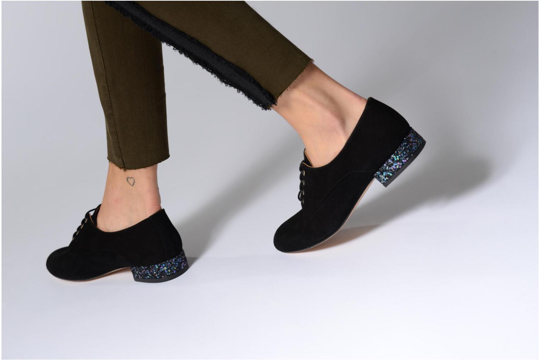 Chaussures à lacets Mellow Yellow Annette Noir vue bas / vue portée sac