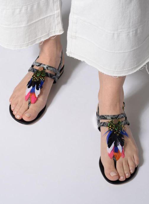 Sandales et nu-pieds COSMOPARIS HIPLUME Noir vue bas / vue portée sac