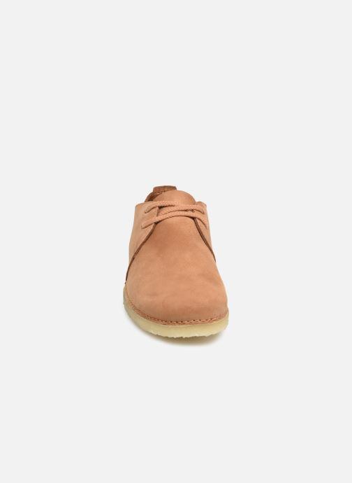 Chaussures à lacets Clarks Originals Ashton W Marron vue portées chaussures