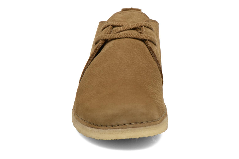Chaussures à lacets Clarks Originals Ashton W Vert vue portées chaussures