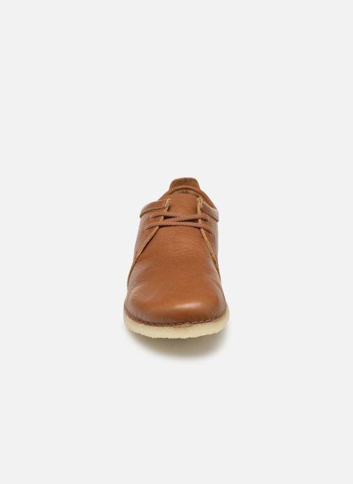Chaussures à lacets Clarks Originals Ashton M Marron vue portées chaussures