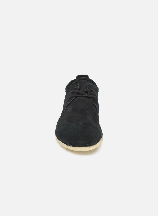 Chaussures à lacets Clarks Originals Ashton M Noir vue portées chaussures