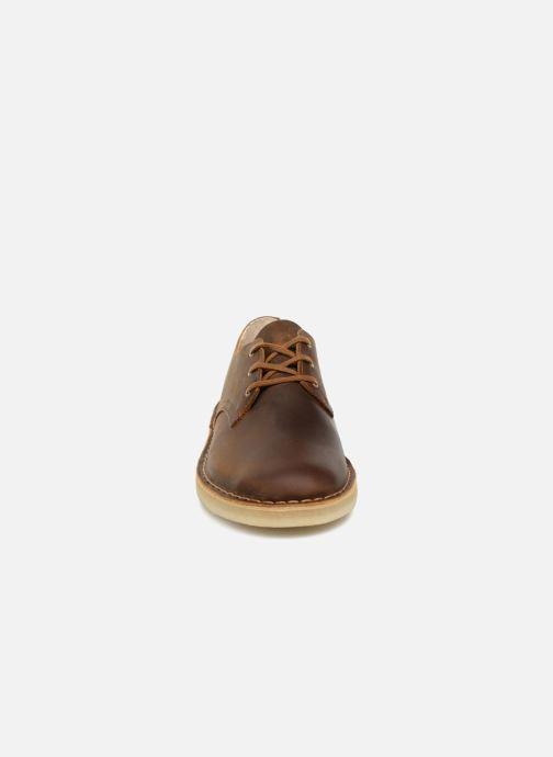 7d4075288a0cca Chaussures à lacets Clarks Originals Desert Crosby Noir vue portées  chaussures