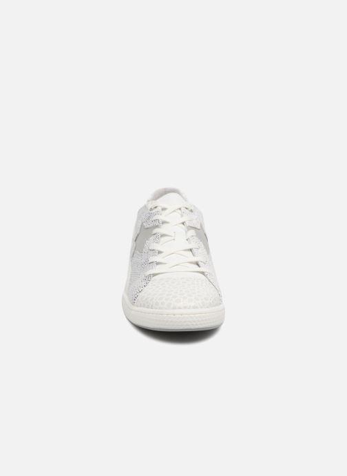 Sneakers Pataugas Joia/S Bianco modello indossato
