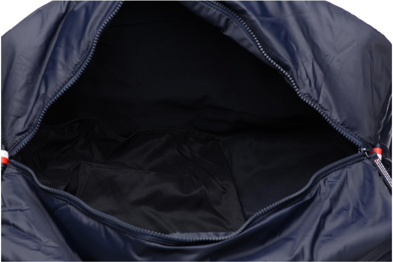 Sporttassen Tommy Hilfiger Light Nylon Duffle Blauw achterkant