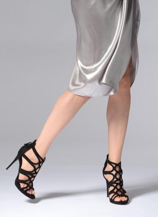 Sandales et nu-pieds Guess TEIGAN Noir vue bas / vue portée sac
