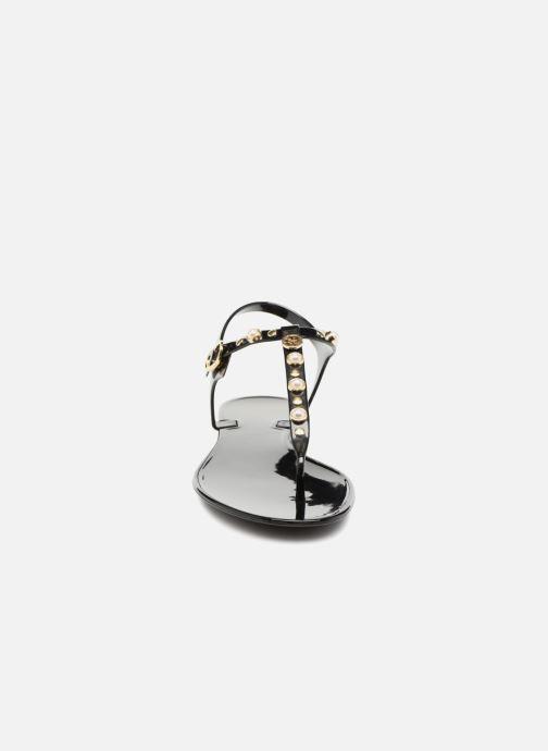 Sandales et nu-pieds Guess JANAYE Noir vue portées chaussures